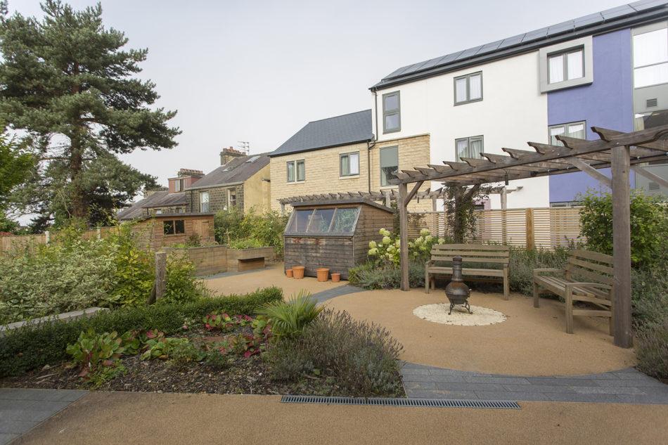 Bingley garden exterior