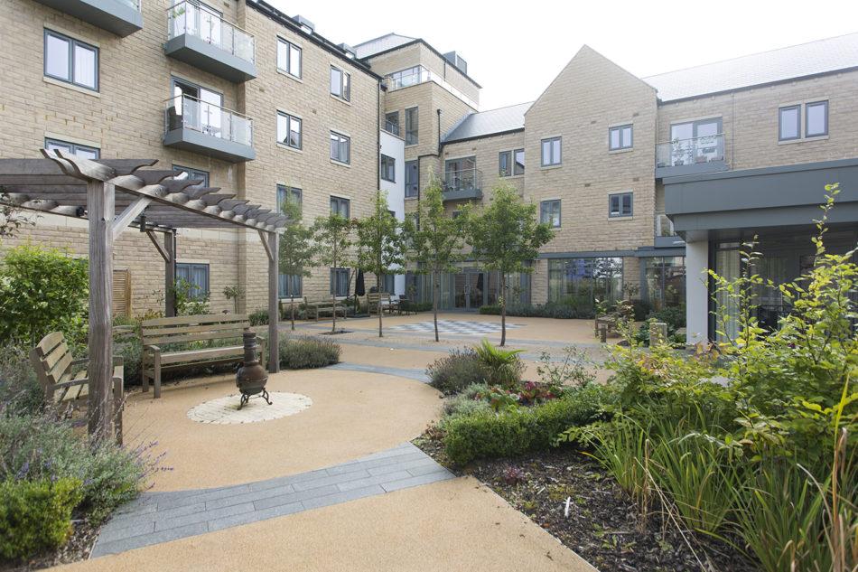 Bingley exterior garden