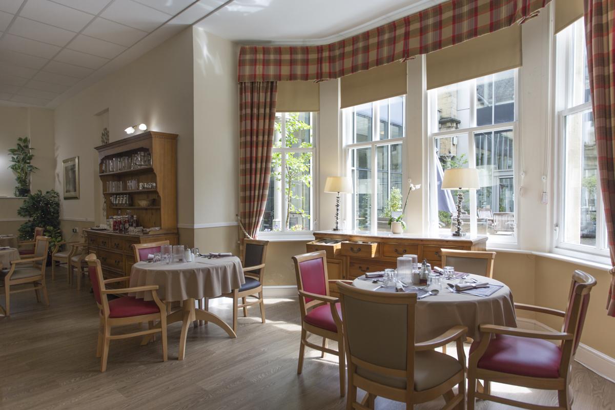Ilkley_Grove_House-dining