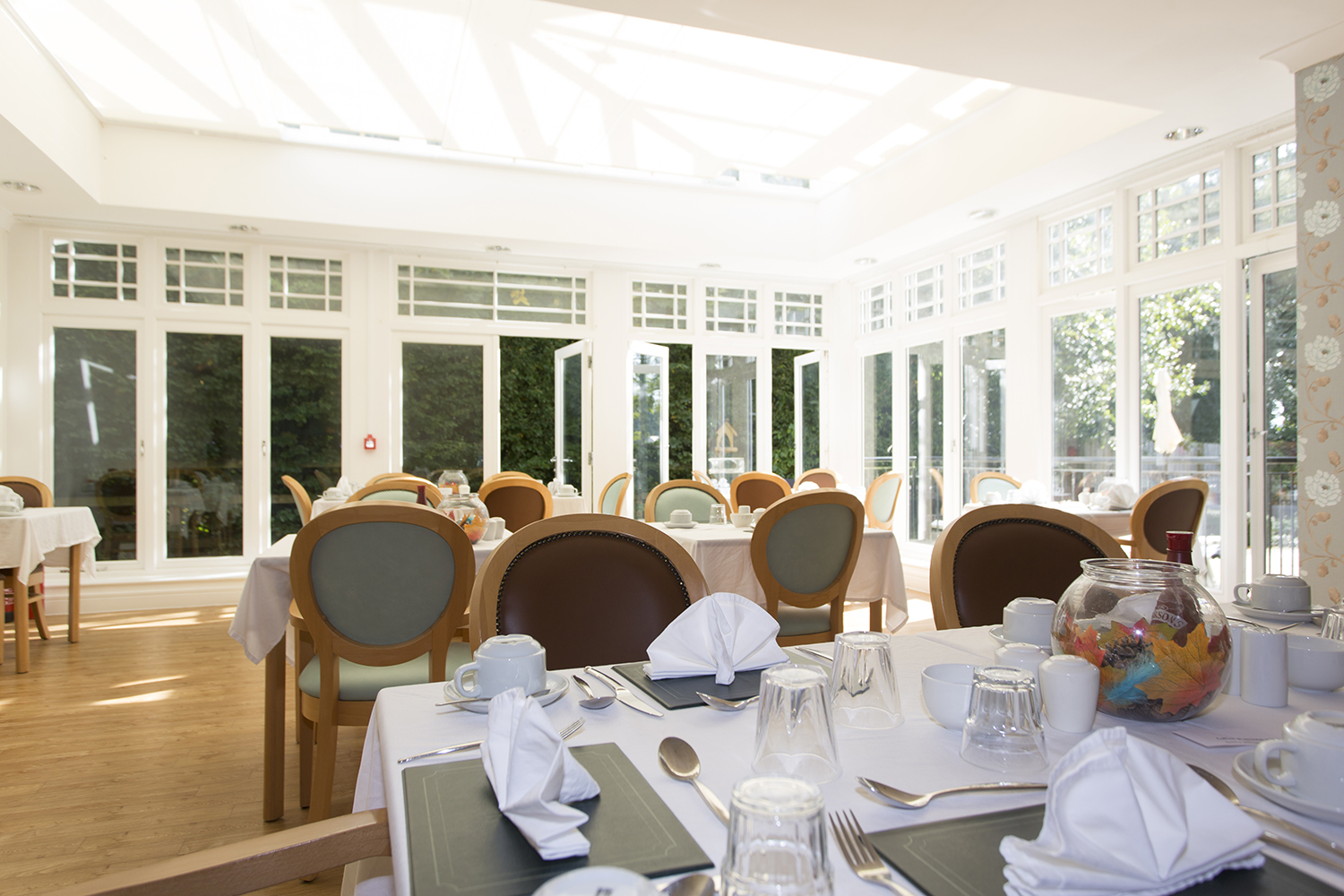 Skipton-conservatory-dining